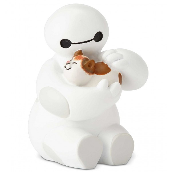 BAYMAX CARESSE UN CHAT DISNEY SHOWCASE